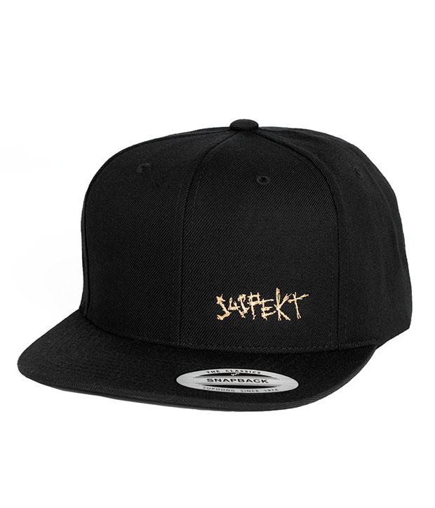 Sort snapback Cap med lille, hvidt suspekt logo
