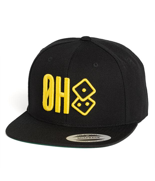 Sort Østkyst Hustlers snapback med gult ØH tryk samt logo