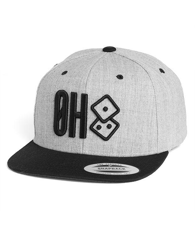 Hvid Østkyst Hustlers snapback med sort ØH tryk samt logo