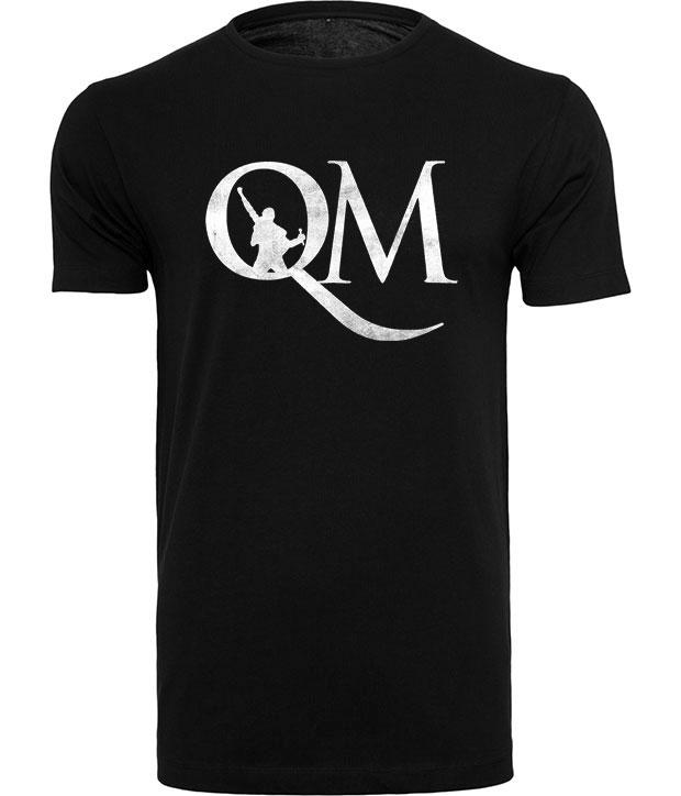 Sort t-shirt med hvidt QM logo på brystet