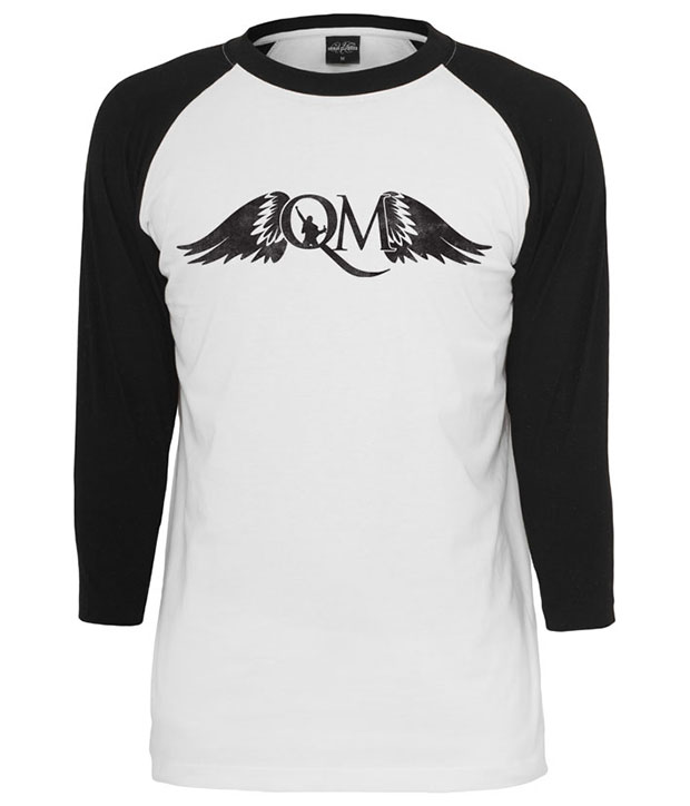 Hvis baseball t-shirt med sorte ærmer og sort Q M logo
